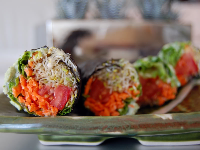 The Global Girl Raw Food Recipes: No-Rice Raw Vegan Sushi with clover sprouts, tomatoes, lettuce and carrot with a basil and jalapeño cashew dip.