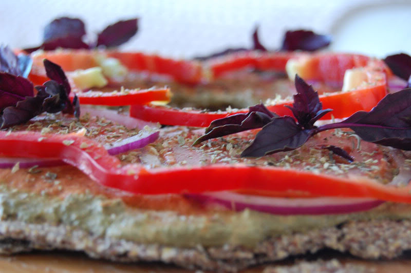 The Global Girl Raw Food Recipes: Raw Pizza with Gluten-free and Nut-Free Buckwheat and Flax Seed Crust - Vegan & Dairy Free.