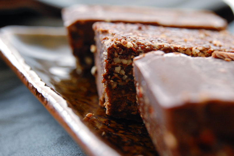 The Global Girl Raw Dessert Recipes: Raw Brownies with Almond, Coconut and Carob Icing. 100% vegan, dairy-free, soy-free and gluten-free.