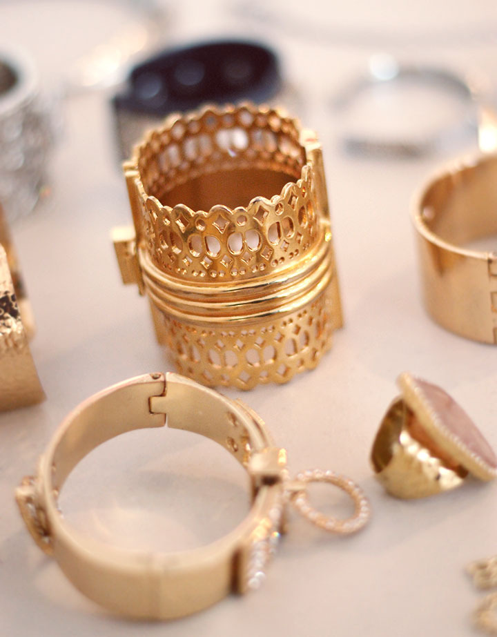 The Global Girl: Behind-the-scenes at Hever Leger by Max Azria Fall 2013 runway. Beautiful bracelets and necklaces from the BCBG Max Azria collection.