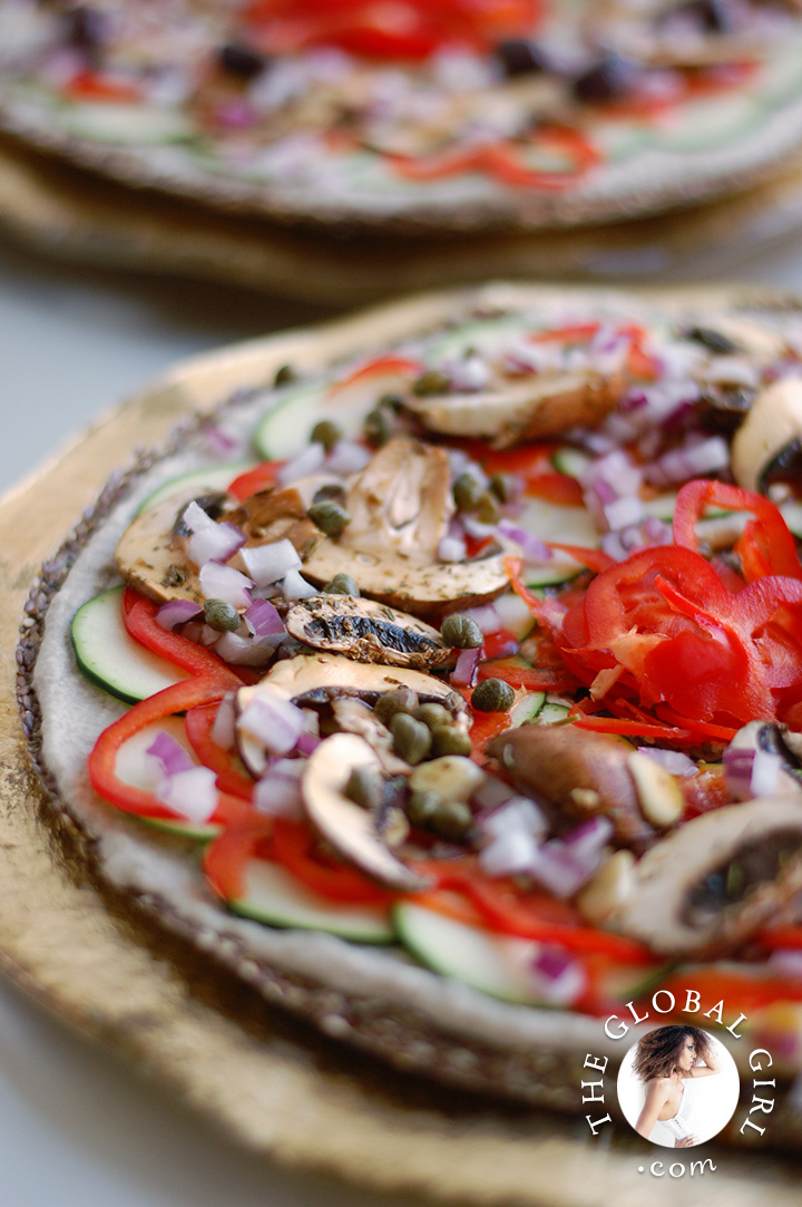 raw-pizza-italian-raw-food-recipe-gluten-wheat-dairy-free-ricotta-sunflower-cheese-flaxseed-crust-the-global-girl-theglobalgirl-1