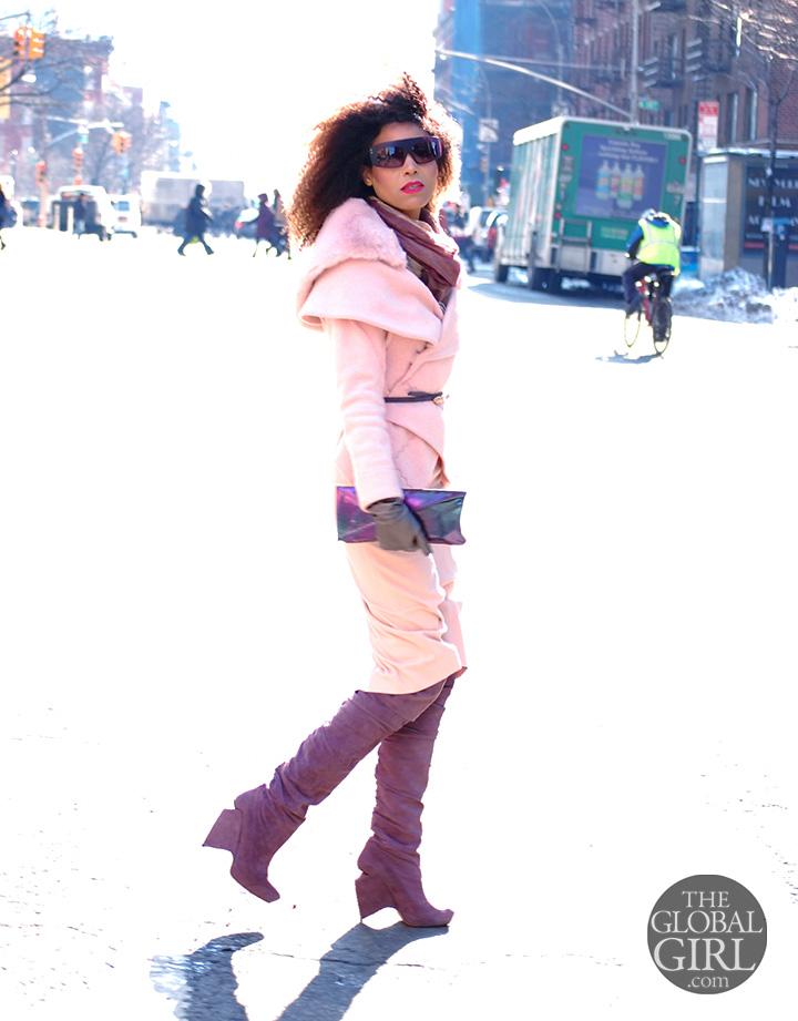 the-global-girl-theglobalgirl-ndoema-all-pink-look-thigh-high-boot-hologram-bag-phillip-lim-sunglasses-4