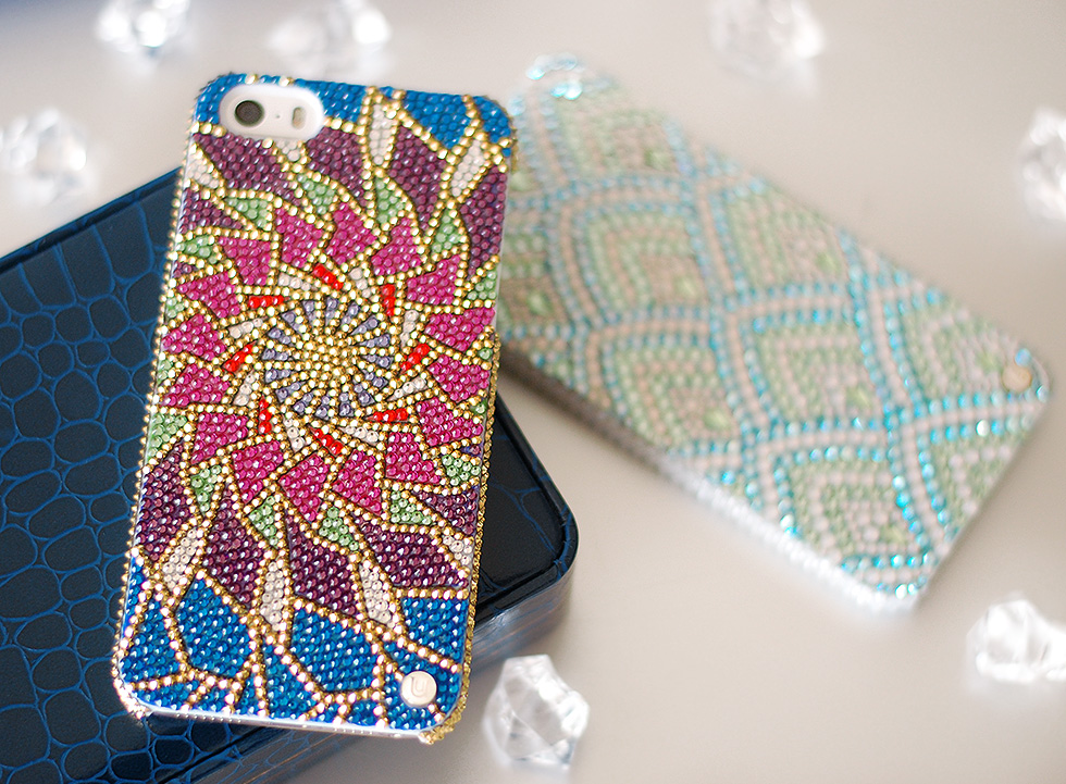 the-global-girl-theglobalgirl-swarovski-crystal-iphone-case-luxury-mobile-accessories-uunique-london-slider