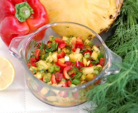 The Global Girl Raw Recipes: Mexican salsa with Pineapple, lime, bell pepper and dill. This delicious raw Mexican recipe is fat free, dairy free, gluten free and bursting with flavor.