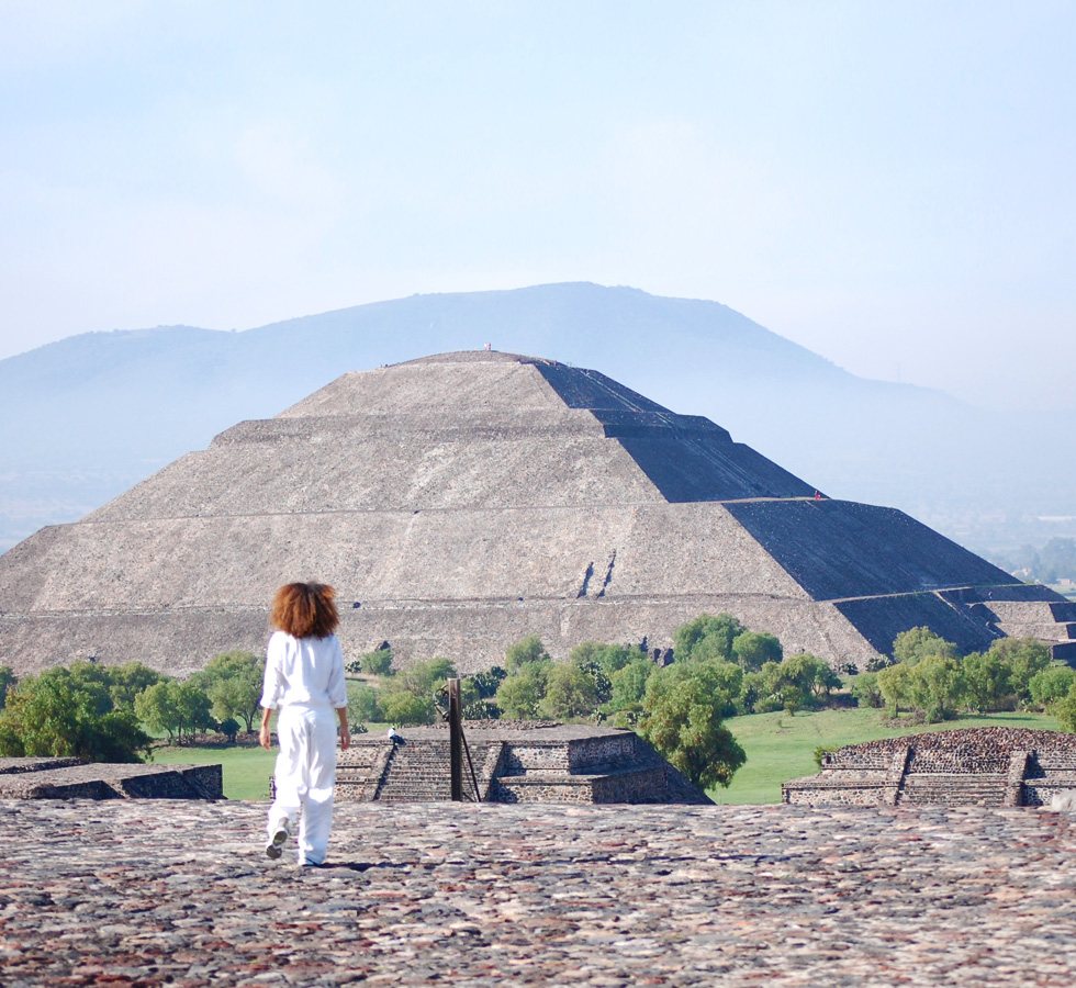 The Global Girl Travels: Teotihuacan Diaries, Pyramid of the Sun - Mexico.co.