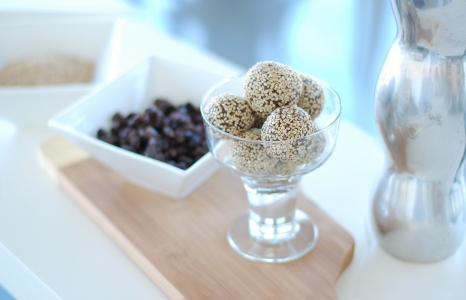 (English) Raw Vegan Chocolate Sesame Balls