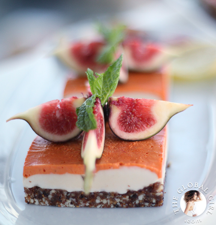 Raw Vegan Lemon and Goji Berry Cheesecake with gluten free crust and fresh figs. This delicious and healthy dessert is dairy free, oil free and has no processed sugar.