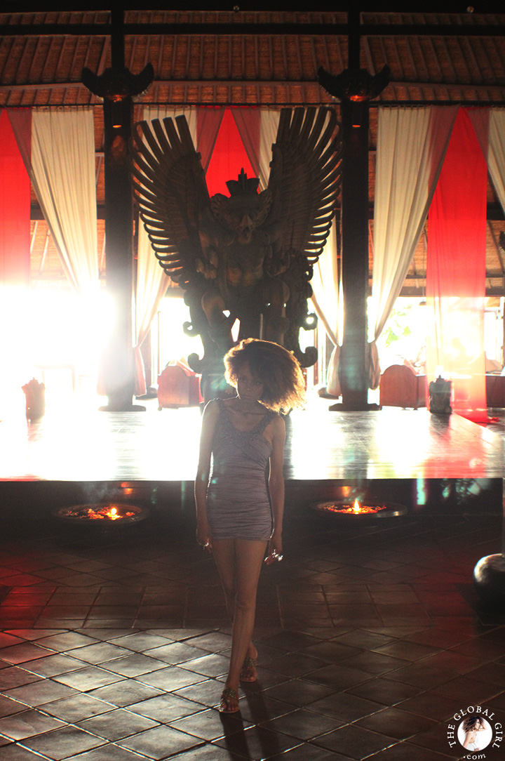 The Global Girl Travels: Ndoema's magical Bali getaway in Canggu Beach, Bali. This massive 15-foot high, hand-carved wooden Garuda statue presides over the lounge area. This imposing mythical bird (Indonesia's national symbol) is the largest antique of its kind in the country and arguably one of the hotel's most impressive collectables.