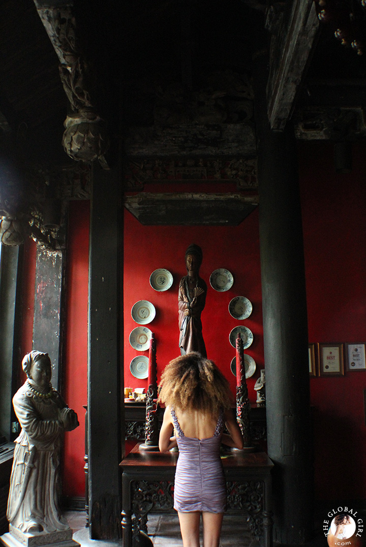 The Global Girl Travels: Ndoema's exotic getaway in Canggu Beach, Bali. A spiritual-filled adventure amongst museum-worthy art from ancient Indonesian kingdoms.