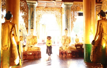 (English) New Year Greetings from The Golden Land of Myanmar