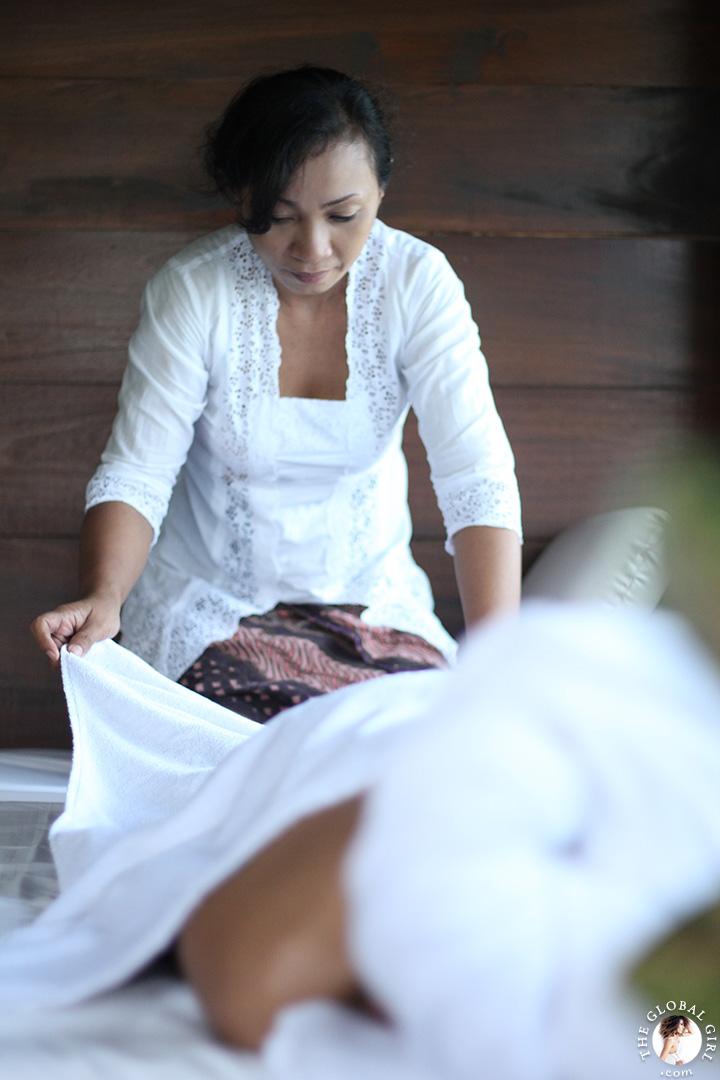 The Global Girl Travels: Enjoying a welcoming massage in Canggu Beach, Bali.