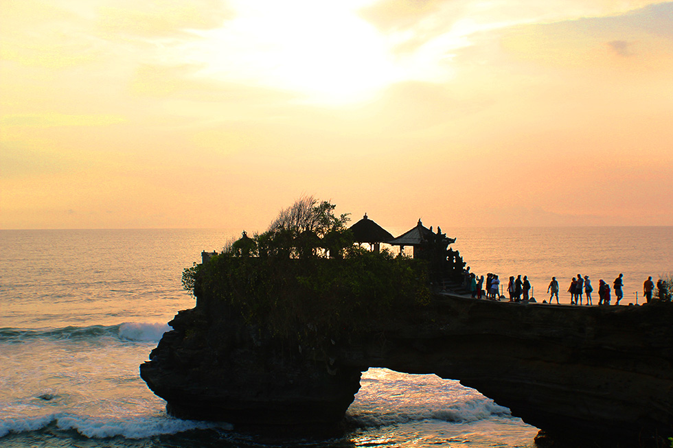 The Global Girl Travels: Gorgeous sunset at Tanah Lot temple in Bali, Indonesia.