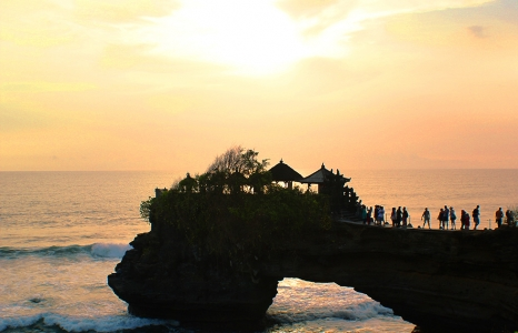(English) Sunset at Tanah Lot