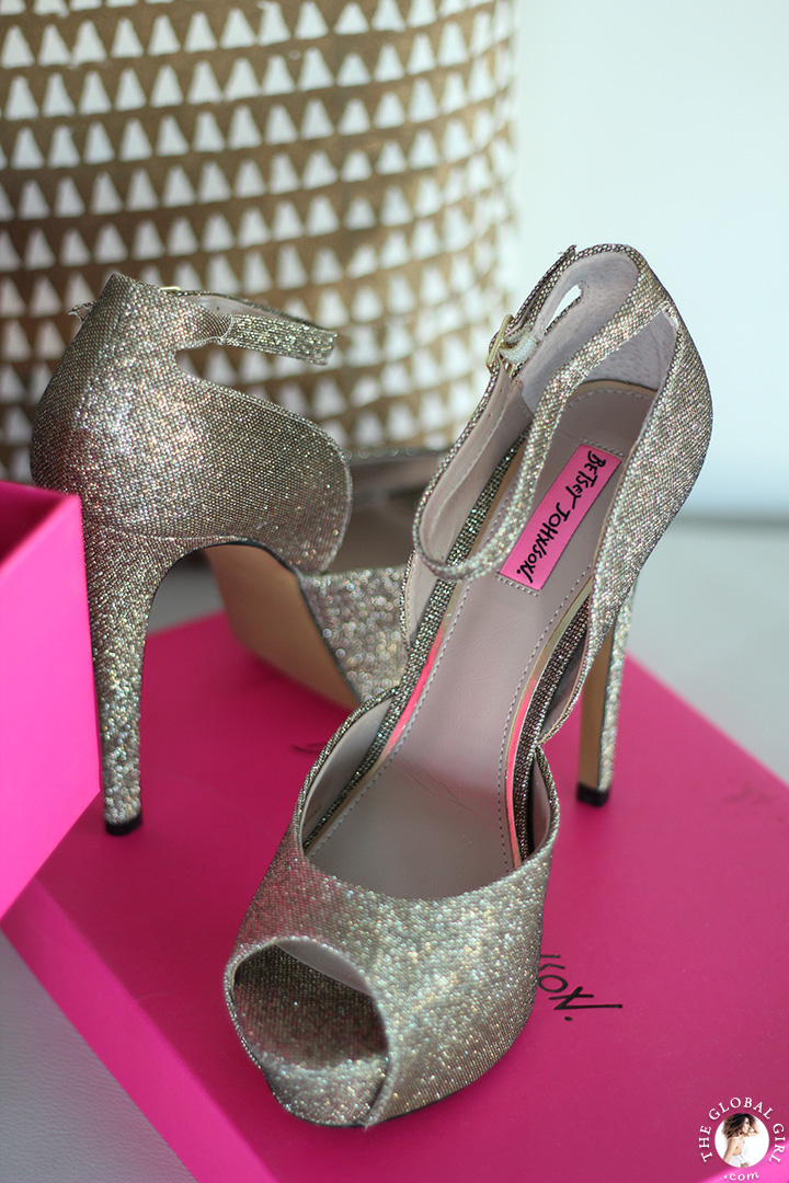 The Global Girl Styling Tips: Statement-making Betsey Johnson glitter pumps, perfect to sparkle up a classic red carpet ready look.