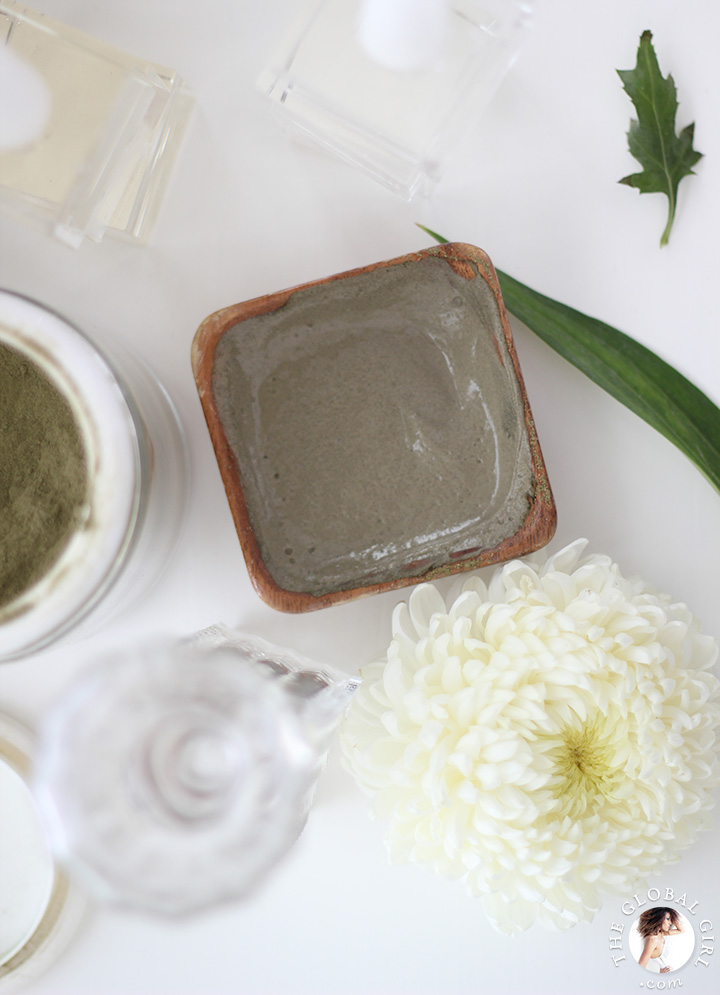 The Global Girl Beauty: Ndoema shares her secret DIY Purifying Facial Mask recipe. The star ingredient is French green Montmorillonite clay. Amazing to keep problem skin blemish-free.