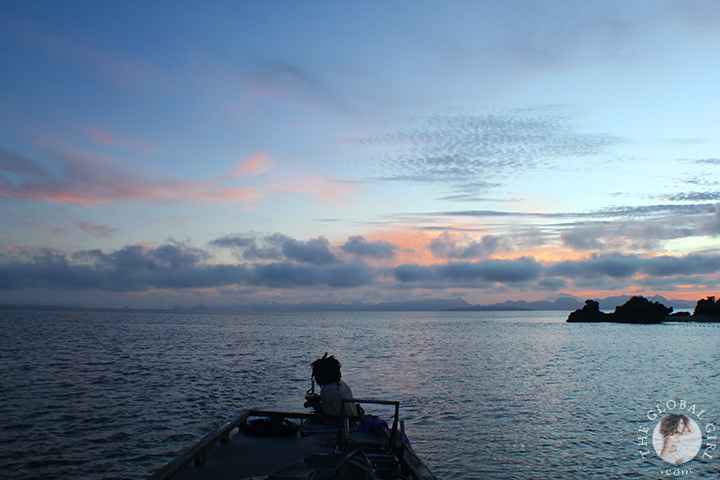 theglobalgirl-the-global-girl-andaman-sea-sunrise-long-boat-thailand-travel-asia-02