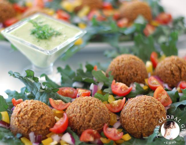 falafels-tzatziki-raw-vegan-recipe-theglobalgirl-the-global-girl