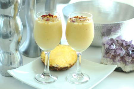 The Global Girl Raw Vegan Recipes: This creamy tropical smoothie is not only pretty, it's loaded with beautifying goodies and it's the perfect summer thirst-quencher.