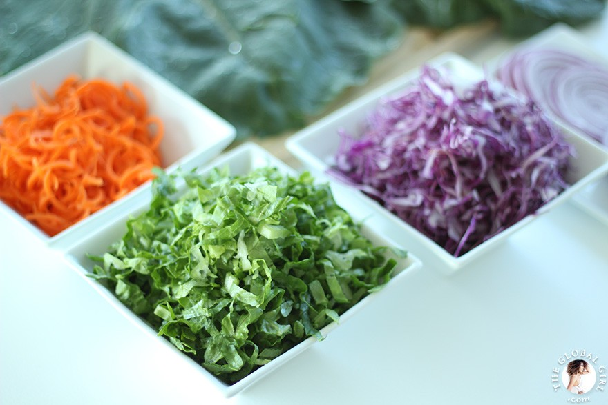 The Global Girl Raw Food Recipes: Fresh and crispy shredded red cabbage, romaine lettuce and carrots.