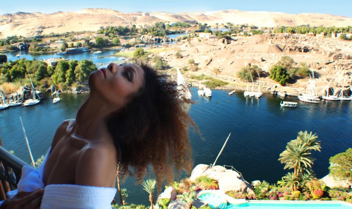 The Global Girl Travels: Ndoema at the Sofitel Legend Old Cataract Hotel in Aswan, Egypt.