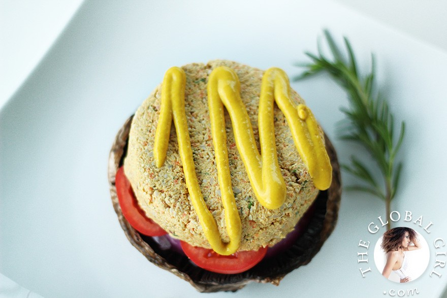 The Global Girl Raw Food Recipes: Raw Vegan Portobello Mushroom Burgers. Here's a hearty, tasty and healthy recipe for mushroom lovers and juicy burger aficionados. It's not only gluten-free, it's also totally raw, vegan (of course) and deliciously oil-free.