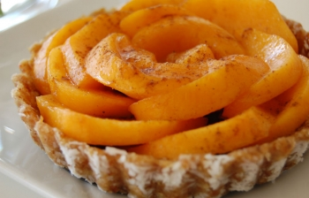 Gluten-free Raw Vegan Peach Tart