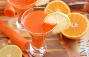 (English) 92-Day Juice Fast: Day 77! Carrot, Orange & Ginger Juice for Glowing Skin