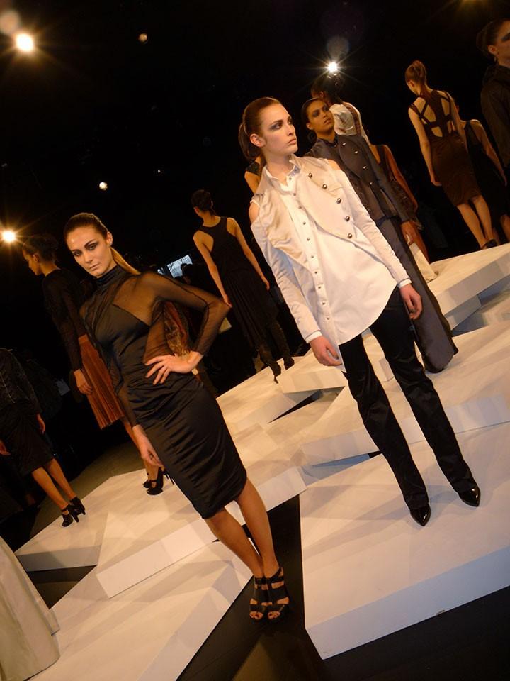 the-global-girl-theglobalgirl-hernan-lander-fall-2013-new-york-fashion-week-15