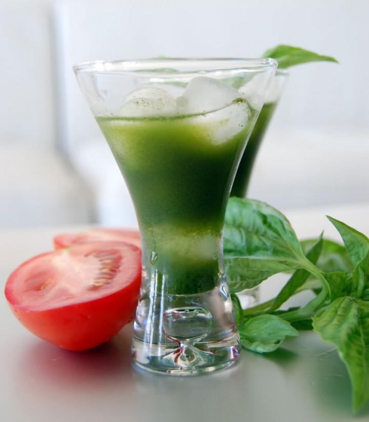 Green Juice: Tomato, Kale, Basil, Cucumber