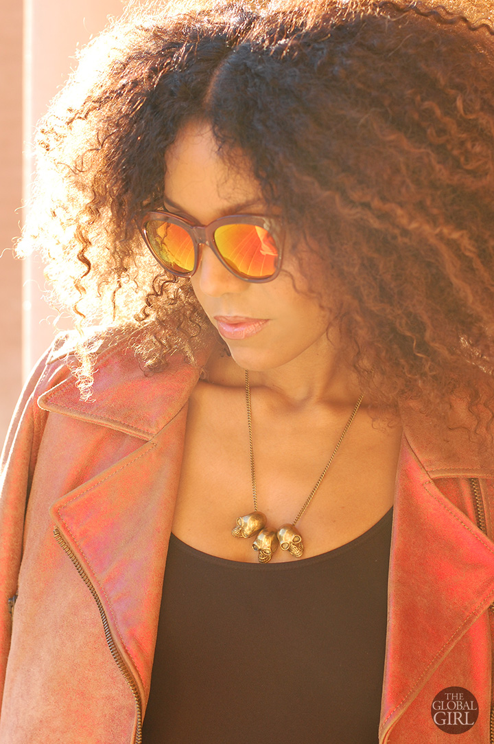the-global-girl-theglobalgirl-ndoema-cropped-moto-jacket-red-mirrored-sunglasses-le-specs-gold-skull-necklace