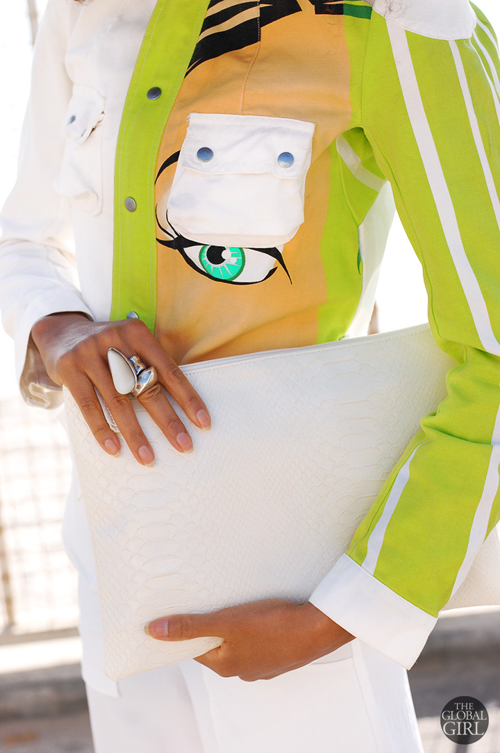 the-global-girl-theglobalgirl-ndoema-custo-barcelona-colorful-printed-jacket-white-python-clutch