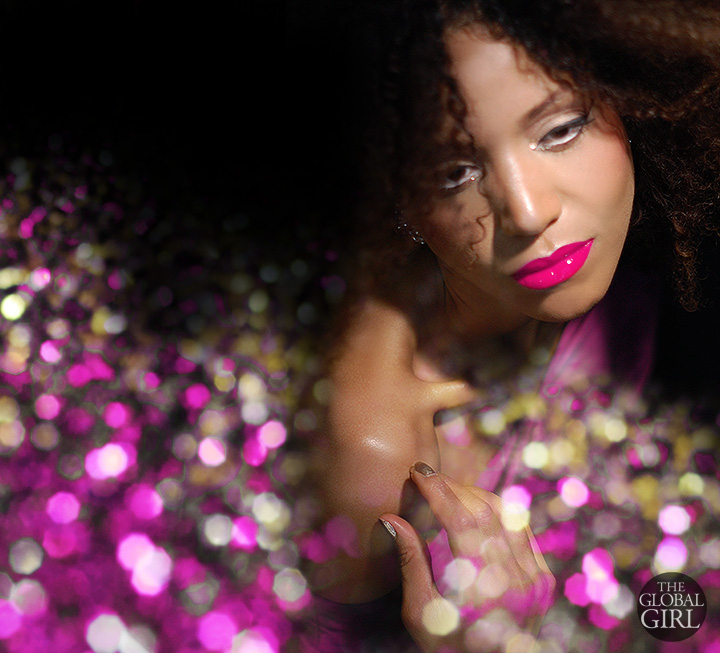 The Global Girl Beauty: Ndoema sparkles in red and pink lipstick gloss from Maybelline Color Elixir