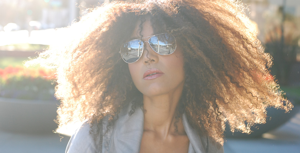 "The Global Girl Daily Style: Ndoema sports Le Specs ""Galactica"" silver mirrored aviator sunglasses."