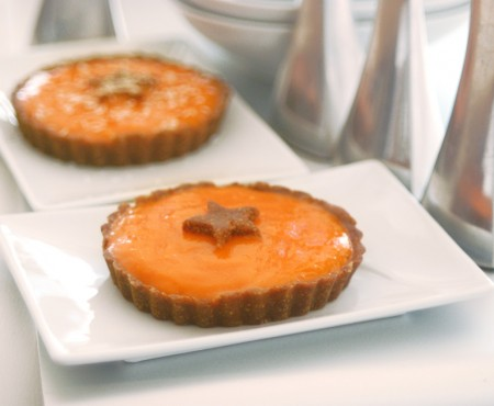 Raw Vegan Persimmon & Carob Tart