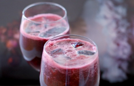 (English) The Super Beautifier: Beet & Pineapple Juice With My Secret Ingredient