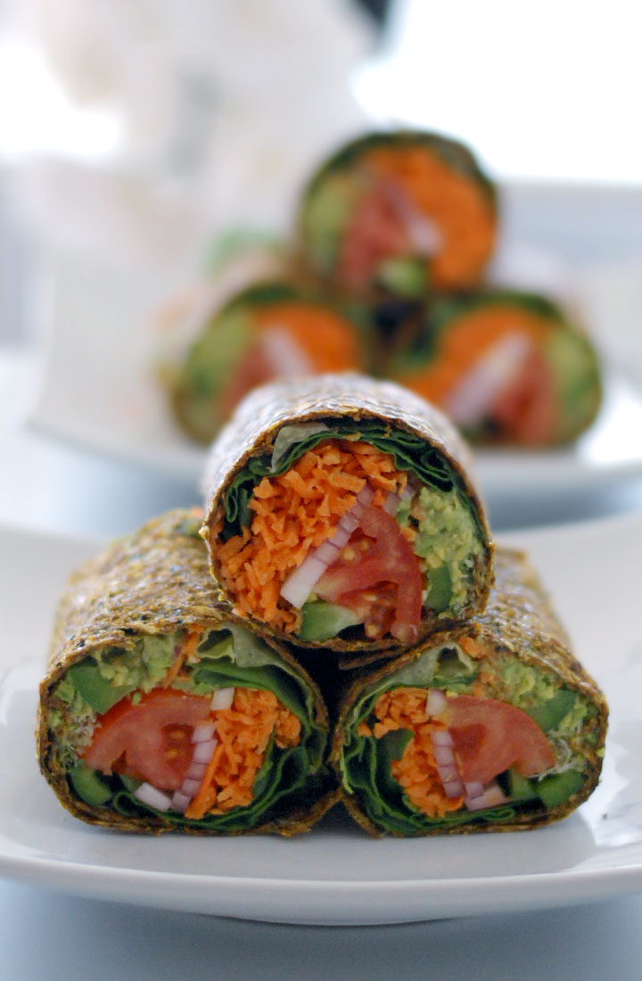 Raw guacamole burrito in zucchini flaxseed wrap the global girl the global girl raw mexican recipes this epic raw guacamole burrito is vegan gluten forumfinder Images
