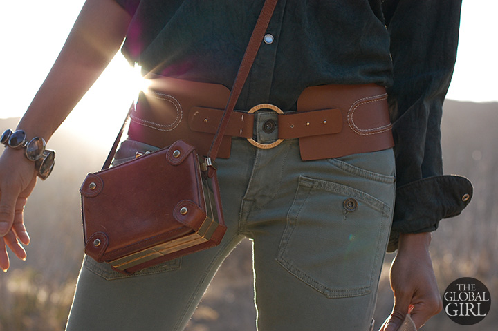 the-global-girl-theglobalgirl-vintage-cross-body-leather-mini-bag-wide-tan-belt-look-outfit