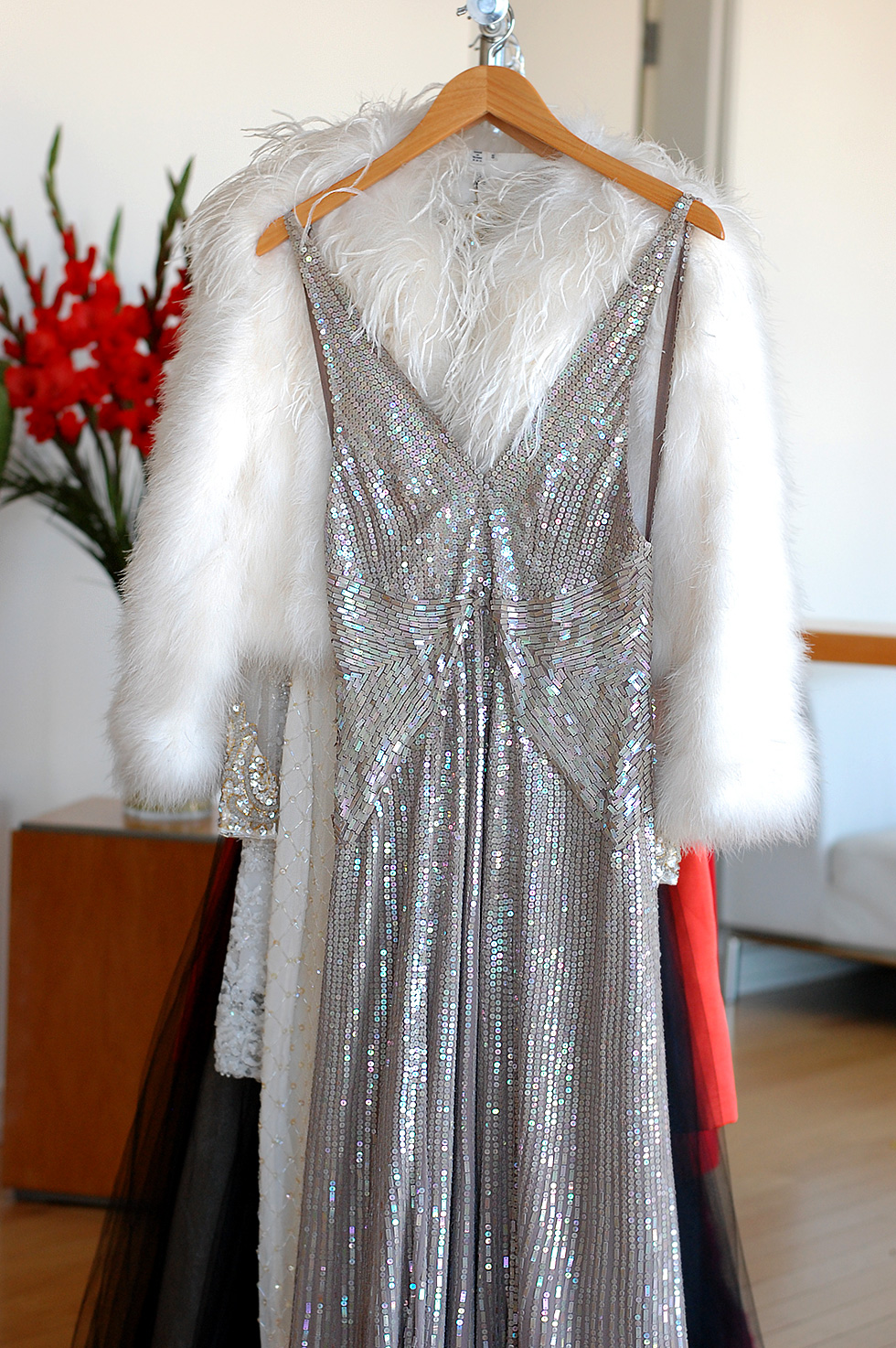 the-global-girl-theglobalgirl-vintage-sequin-gown-behind-the-scenes